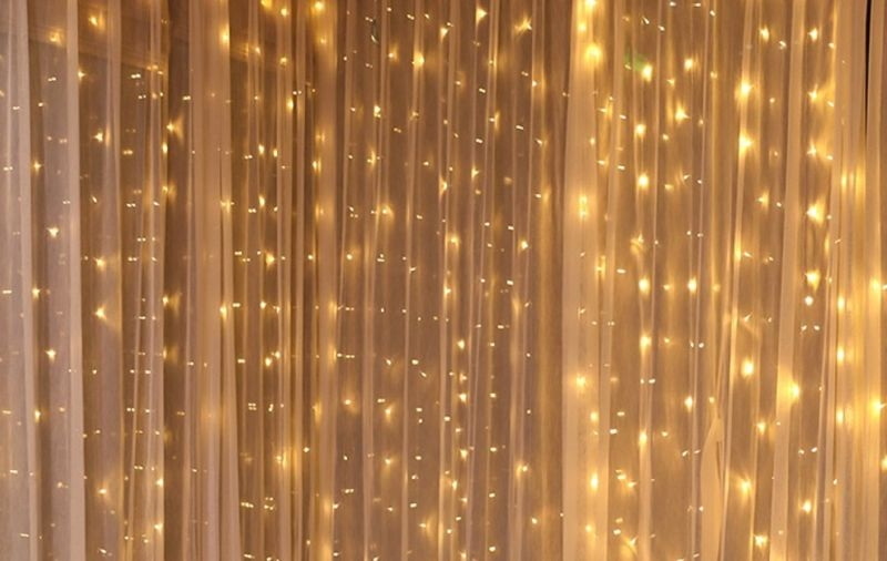 Fényfüggöny meleg színű LED égőkkel